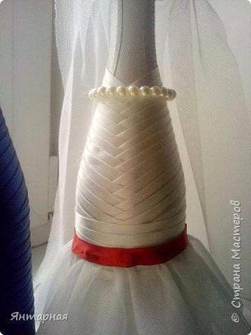Наборчик делала к серебряой свадьбе. Почему синий? Я мастер, я так вижу))) На самом деле, серебряная лента на женихе выглядела не очень рядом с белоснежной невестой, поэтому было принято решение сделать контрастную парочку. фото 7