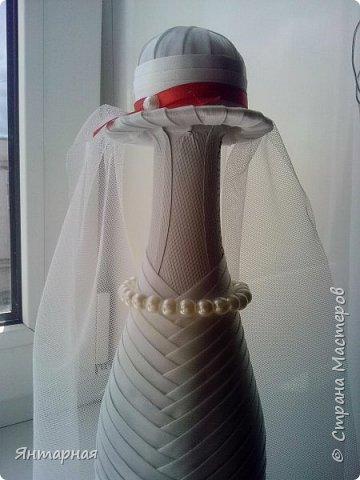 Наборчик делала к серебряой свадьбе. Почему синий? Я мастер, я так вижу))) На самом деле, серебряная лента на женихе выглядела не очень рядом с белоснежной невестой, поэтому было принято решение сделать контрастную парочку. фото 8