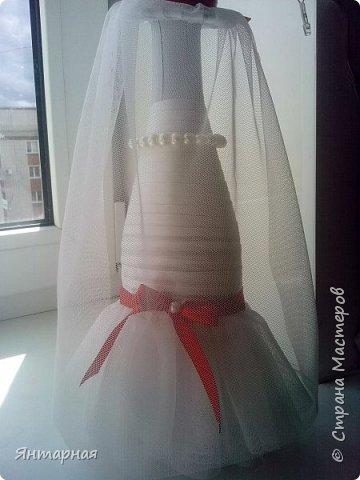 Наборчик делала к серебряой свадьбе. Почему синий? Я мастер, я так вижу))) На самом деле, серебряная лента на женихе выглядела не очень рядом с белоснежной невестой, поэтому было принято решение сделать контрастную парочку. фото 6