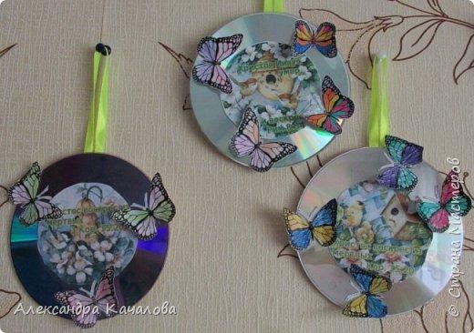Здравствуйте.  Эти Пасхальные подвесочки дочки делали в подарки учителям и воспитателям. Спасибо Марине Лужинской за картинки и идею.http://stranamasterov.ru/node/1011128 фото 1