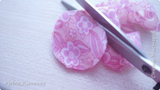 Всем привет! Если Вы любите японские традиции и мотивы, то наверняка знаете, что такое ханами. Ханами - это праздник цветения сакуры. Настоящая сакура цветёт всего неделю, а если посмотреть мой урок, то вы надолго продлите удовольствие от ханами!  В этом уроке мы сделаем вечнозелёную, или, поточнее, вечнорозовую сакуру. фото 7