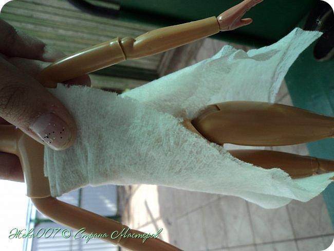 Привет! Рада тебя видеть. В этом блоге я делаю простое одноразовое платье из:  -2 влажные салфетки (должны быть уже сухие)  -тонкая ленточка  -2 или больше заколок для волос (маленькие)  Приступай к чтению и выполнению платья! В конце бонус! фото 3