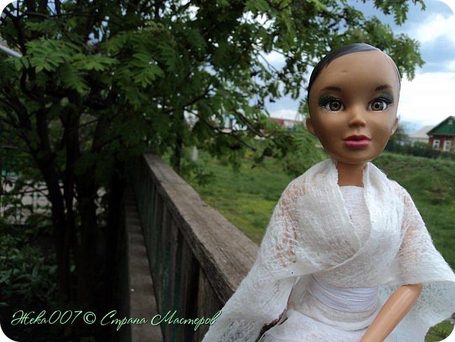 Привет! Рада тебя видеть. В этом блоге я делаю простое одноразовое платье из:  -2 влажные салфетки (должны быть уже сухие)  -тонкая ленточка  -2 или больше заколок для волос (маленькие)  Приступай к чтению и выполнению платья! В конце бонус! фото 8