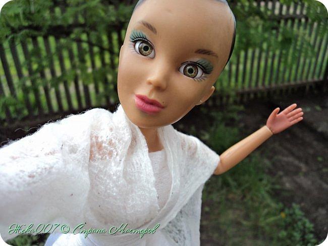 Привет! Рада тебя видеть. В этом блоге я делаю простое одноразовое платье из:  -2 влажные салфетки (должны быть уже сухие)  -тонкая ленточка  -2 или больше заколок для волос (маленькие)  Приступай к чтению и выполнению платья! В конце бонус! фото 12
