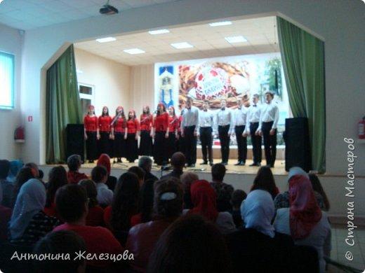 Вот и подошел учебный год к концу. Воскресная школа завершает его большим праздничным концертом и выставкой детских работ. фото 11