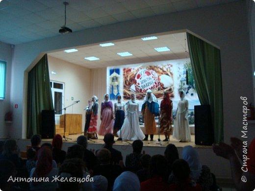 Вот и подошел учебный год к концу. Воскресная школа завершает его большим праздничным концертом и выставкой детских работ. фото 13