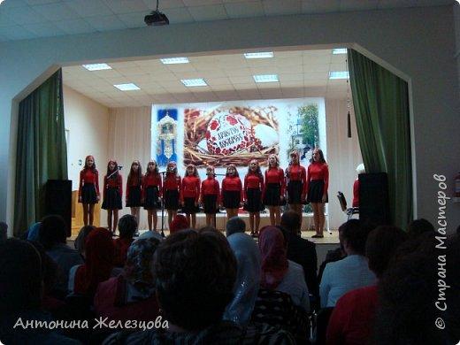 Вот и подошел учебный год к концу. Воскресная школа завершает его большим праздничным концертом и выставкой детских работ. фото 16