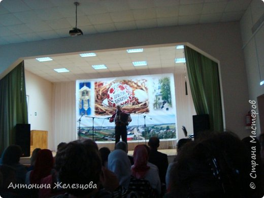 Вот и подошел учебный год к концу. Воскресная школа завершает его большим праздничным концертом и выставкой детских работ. фото 20