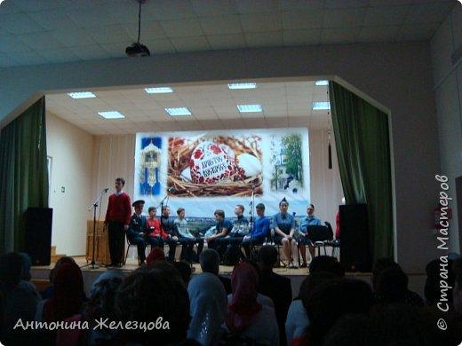 Вот и подошел учебный год к концу. Воскресная школа завершает его большим праздничным концертом и выставкой детских работ. фото 21