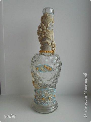 Материалы: бутылка стеклянная,скрученные жгуты,солёное тесто горох,салфетка. фото 2