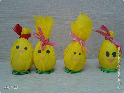 Пятиклассники готовились к пасхе за ранее.  Кто-то делал пасхальные яйца в технике пейп-арт. фото 6