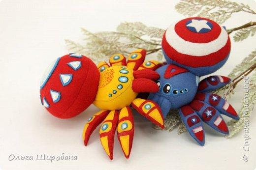 Доброго времени суток. Как я уже писала, начала серию пауков-супергероев.  Предлагаю посмотреть первую пару : Железный Человек  (Iron Man ) и Капитан Америка ( Captain America ) фото 7