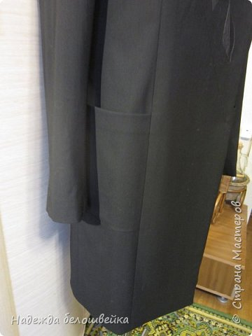 Летнее полупальто с вышивкой. Вообще-то это шился костюм, полупальто и брюки. Но брюки на манекен не одеть, поэтому показываю только полупальто. фото 11