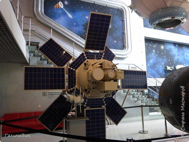 6 мая состоялась экскурсия по Аллее Космонавтов. Начало Аллеи - место встречи. фото 27