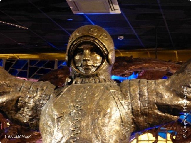 6 мая состоялась экскурсия по Аллее Космонавтов. Начало Аллеи - место встречи. фото 17
