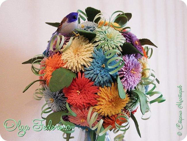 Доброго всем дня! Вот такое сказочное деревце у меня получилось, хотя изначально планировалось сделать цветочный шар как у Vitulichka. Потом сюда прилетели птички и присел отдохнуть ангелок. фото 5