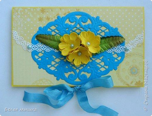 Для коллеги сделал конверт для денег. Очень хотелось нежного, женственного в солнечно-позитивном стиле, поэтому использовала такие цвета. Применила вырубку и самодельные цветы из фоамирана. фото 1