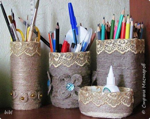 Карандашница-повторюшка из баночки от зелёного горошка. Очень понравилась идея поработать с джутовым шпагатом, которую я увидела здесь http://stranamasterov.ru/node/381078                          фото 10