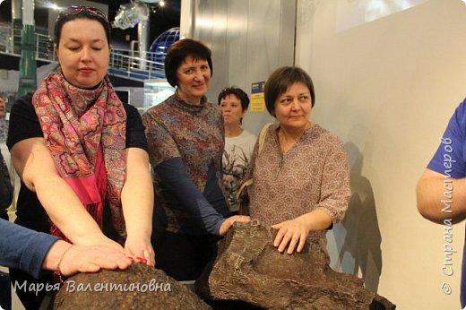 Итак, в музее нас встречает огромный портрет улыбающегося Ю.А.Гагарина. фото 38
