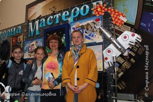 Итак, в музее нас встречает огромный портрет улыбающегося Ю.А.Гагарина. фото 31