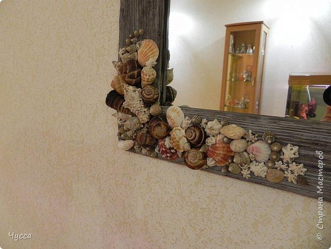 Доброго времени суток соседи! Добралась и до холла...Пустовала у меня стена напротив рыбьего дома (аквариума) и мне очень хотелось чтобы ентот самый аквариум отражался в зеркале...Захотелось - сделала.. Да и ещё никакие цветы в холле не растут - света не хватает и придумались  панно со стабилизированным мхом. Дальше немного расскажу как что делала. фото 13