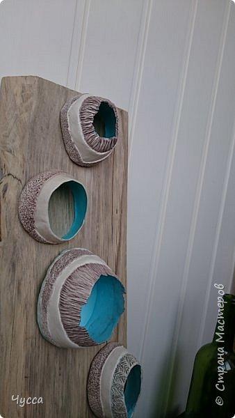 Доброго времени суток соседи! Добралась и до холла...Пустовала у меня стена напротив рыбьего дома (аквариума) и мне очень хотелось чтобы ентот самый аквариум отражался в зеркале...Захотелось - сделала.. Да и ещё никакие цветы в холле не растут - света не хватает и придумались  панно со стабилизированным мхом. Дальше немного расскажу как что делала. фото 15
