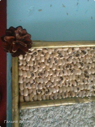 Вот такую картину мы с детьми  сделали из круп, картонной коробки и газет. фото 2