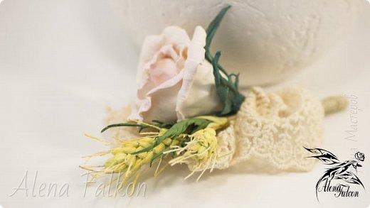 Хочу показать вам, как я делаю пшеничный колосок из фоамирана.  Недавно мне поступил заказ на свадебные украшения с такими колосьями. Посмотрев несколько мастер-классов, я поняла, что все они достаточно трудоемкие по времени. Для меня же время — очень важный фактор. Поэтому я сделала колосок по-своему. И с радостью делюсь с вами своим способом изготовления пшеничного колоса.  фото 1