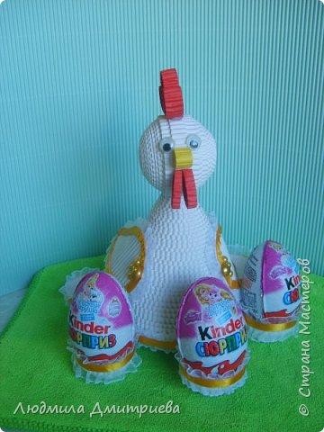 Здравствуйте, жители Страны Мастеров и гости! Представляю Вам свое творение из гофрированного картона - пасхальную курочку-подставку для яиц. фото 8