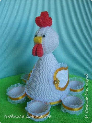 Здравствуйте, жители Страны Мастеров и гости! Представляю Вам свое творение из гофрированного картона - пасхальную курочку-подставку для яиц. фото 4