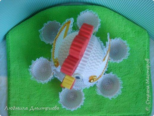 Здравствуйте, жители Страны Мастеров и гости! Представляю Вам свое творение из гофрированного картона - пасхальную курочку-подставку для яиц. фото 5