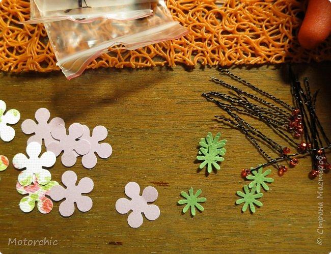 Наконец-то мои руки дошли до попытки сделать миниатюрные цветочки из вырубных элементов. фото 3