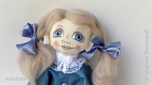 Доброго всем вечера!! Сегодня у меня появилась новая куколка,с букетиком цветов.  фото 1