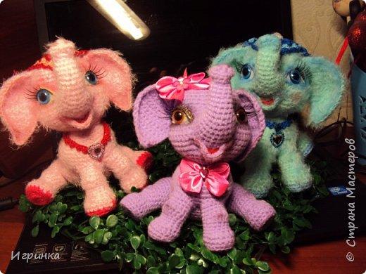 Здравствуйте друзья! Весна, времени на вязание остается только по ночам, и за несколько таких позитивных ночей в онлайне Иринки-картинки на форуме амигуруми связались эти три веселых малыша-слоненка. фото 1