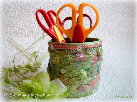 Предыдущие органайзеры и карандашницы... http://stranamasterov.ru/node/221855?t=292 *********************************************** Приветствую вас, дорогие друзья! В Питере тепло и солнечно. Листики на деревьях распустились, а цвет цвет молодой листвы - это чудо, поэтому выбирая палитру для очередной баночки-органайзера  остановилась на салатовой салфетке. фото 5