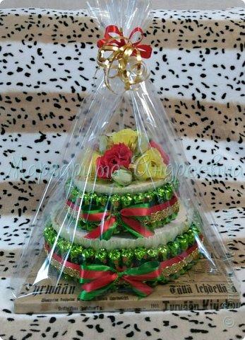 Оформление коробки конфет или подарка ярким и вкусными тюльпанами. фото 11