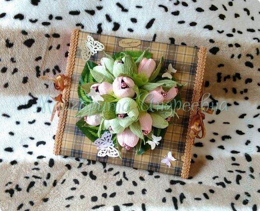 Оформление коробки конфет или подарка ярким и вкусными тюльпанами. фото 4
