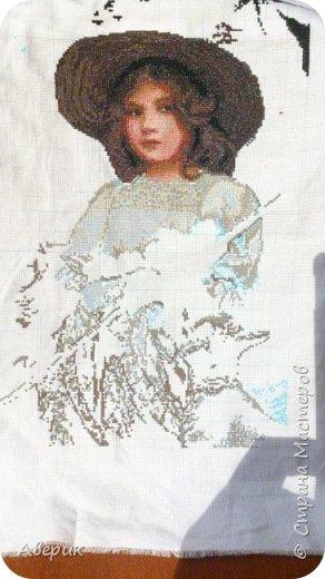 Знакомьтесь!  Это Пастушка .Вышита в технике полный крест по картине известного а свое время английского художника Артура Джона Элсли. А известен он  был именно тем, что изображал на своих полотнах детей и животных.  фото 5