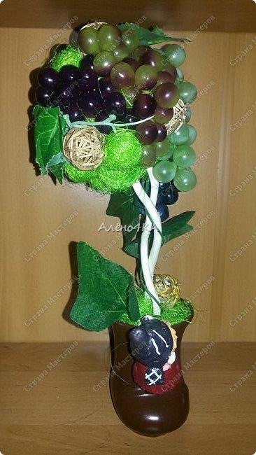 Всем доброго времени суток! Давно мечтала сделать виноградное дерево. Вчера купила несколько веточек винограда и когда пришла домой меня накрыло вдохновение...  Даже пакет с покупками не успела разобрать.))) фото 2