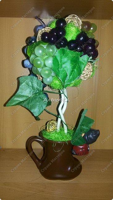 Всем доброго времени суток! Давно мечтала сделать виноградное дерево. Вчера купила несколько веточек винограда и когда пришла домой меня накрыло вдохновение...  Даже пакет с покупками не успела разобрать.))) фото 3