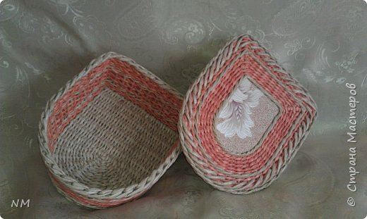 Форма одинаковая, цвета разные. Морилки орех, лиственница Бумага офисная. фото 4