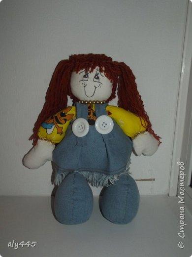 Куколка выполнена из ситца и джинса, набивка синтепух фото 1