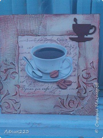 """всем  снова приветики!!! захотелось мне себе панношки сделать на кофейную тему. маленькие такие. но вышли большие (по 15 см). вырезала заготовки из фанеры. текстурная паста, бинт, трафарет, декупажная карта, слово """"кофе"""" в углу выложила ниткой из салфетки (пейп-арт), джут. фото 2"""