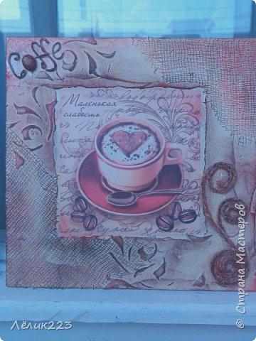 """всем  снова приветики!!! захотелось мне себе панношки сделать на кофейную тему. маленькие такие. но вышли большие (по 15 см). вырезала заготовки из фанеры. текстурная паста, бинт, трафарет, декупажная карта, слово """"кофе"""" в углу выложила ниткой из салфетки (пейп-арт), джут. фото 4"""