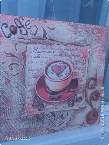 """всем  снова приветики!!! захотелось мне себе панношки сделать на кофейную тему. маленькие такие. но вышли большие (по 15 см). вырезала заготовки из фанеры. текстурная паста, бинт, трафарет, декупажная карта, слово """"кофе"""" в углу выложила ниткой из салфетки (пейп-арт), джут. фото 3"""