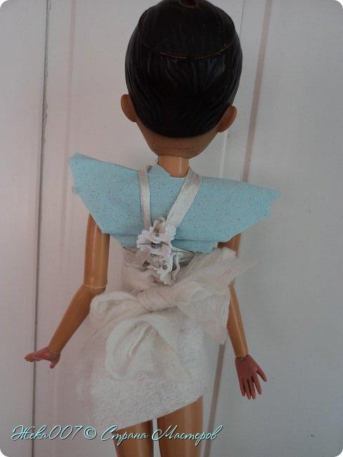 Привет! Я Жека007, сегодня создала прикольный наряд! Из... Да, туалетной цветной бумаги, влажной салфетки и ленточки, а также заколок. Пишите в комментариях, если хотите МК.  фото 2