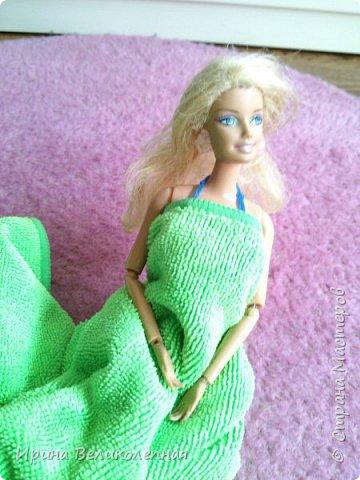 Всем привет! Вика так ждала лето, и не до ждалась.Она пошла поплавать. Для неё из резинок я связала купальник.Смотрим- фото 16