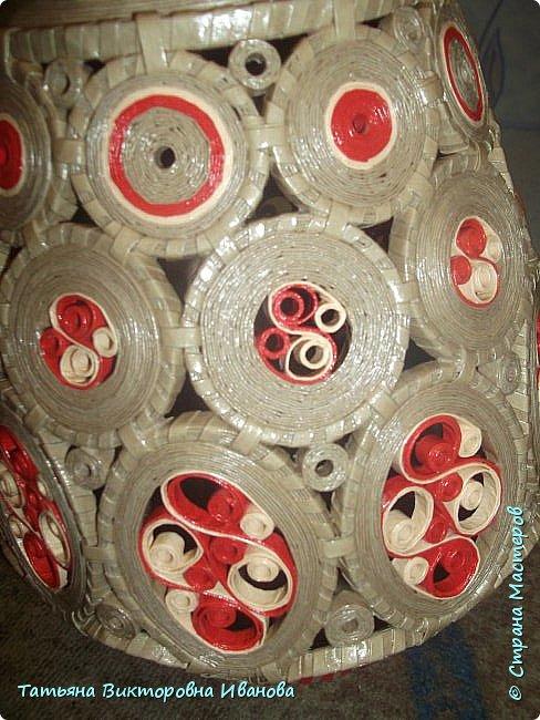 """Здравствуйте жители нашей замечательной страны!  Вновь я подготовила для вас новую коллекцию вазочек, выполненных в технике """"Бумажная филигрань"""". Приятного вам просмотра! фото 3"""