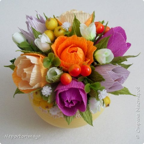 После 8 марта поднакопилось немножко работ. Решила попробовать сделать цветы в кашпо.  фото 5