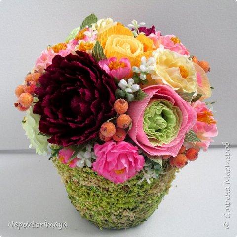 После 8 марта поднакопилось немножко работ. Решила попробовать сделать цветы в кашпо.  фото 1
